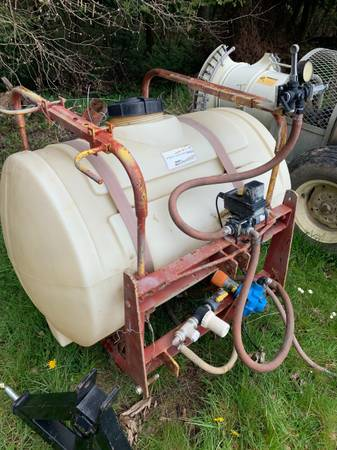 Photo 120 gallon 3 point sprayer - $950 (Silverton)