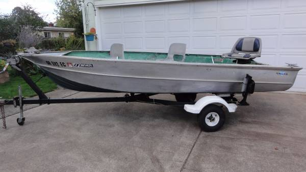 14 Foot VALCO Aluminum Boat /Trailer - $1100 (SALEM) | Boats For