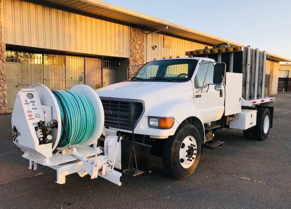 Photo 2000 FORD F-750 DIESEL JETTER TRUCK - $18000