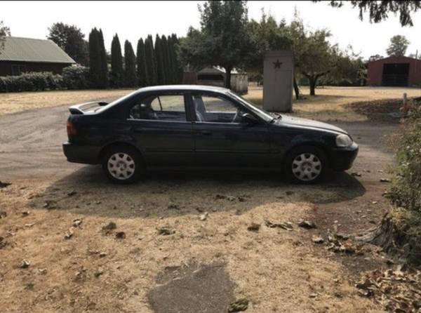 Photo 2000 Honda Civic - $2000 (Salem)