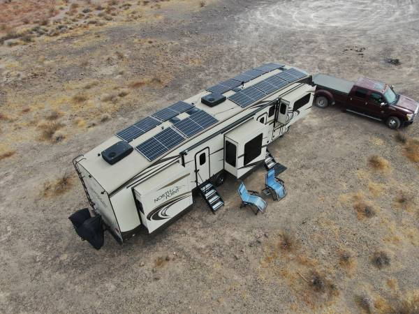 Photo 2018 Jayco North Point 381FLWS with Massive Solar - $83,000 (Millersburg, OR)