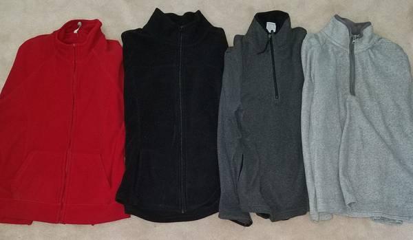 Photo 4 fleece pulloversjackets - women39s XL - Old Navy - grayredblack - $6 (South Salem)