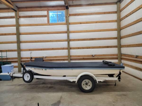 Photo Boat, Trailer, Trolling motor for sale - $1,000 (Jefferson)