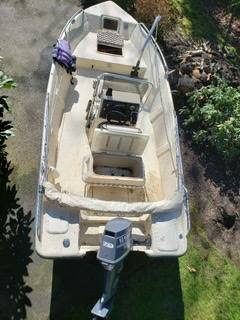 Photo Boston whaler type center console fiberglass boat - $8700