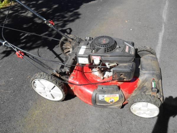Photo Craftsman Lawn mower - $100 (Salem)
