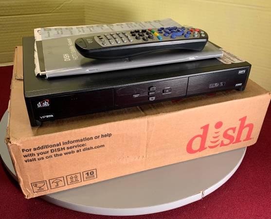 Photo DISH TV RV RECEIVER WITH ANTENNA - $200 (SALEM)