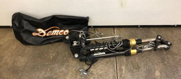Photo Demco RV Towing hitch like new - $500 (Salem)