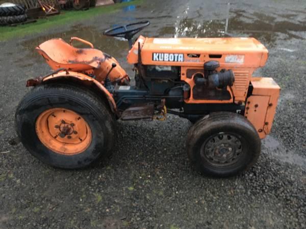 Photo Kubota B7100 Diesel Tractor - $1800 (Aumsville)