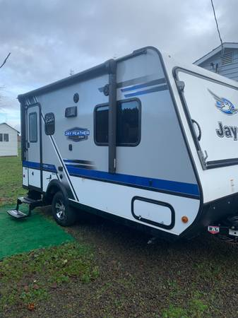 Photo LIKE NEW RV FOR SALE - USED ONCE - $20,000 (Salem)