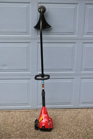 Photo Nice Trimmer  Weed Eater - $45 (CANBY)