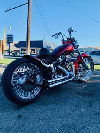 Photo PRICE REDUCED NEED GONECustom built harley evo trade - $8,500