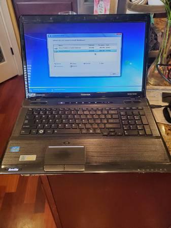 Photo Toshiba i7 SATELLITE Laptop Parts or Repair - $120 (Salem)