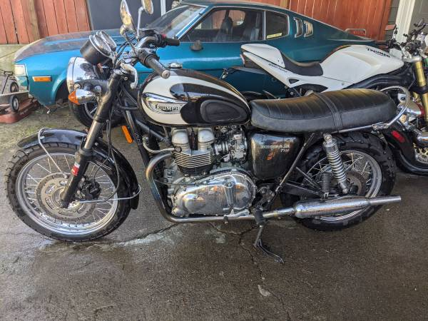 Photo Triumph Bonneville T100 - $5,200 (Salem)