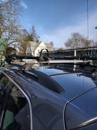 Photo VW Jetta Sportwagen Factory Roof Rack Crossbars - $225 (Monmouth)