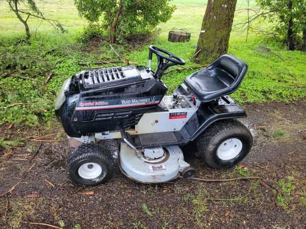 Photo Yard Machines 42quot cut riding lawn mower - $495 (Turner)