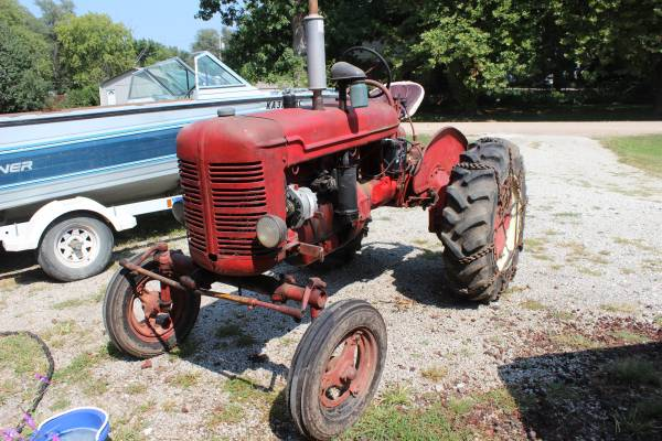 Photo 1943 Farmall A - $1,700 (Republic Ks)