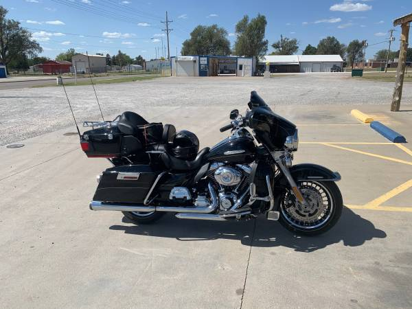 Photo 2013 Harley Davidson Ultra Classic Limited - $17,000 (Wichita)