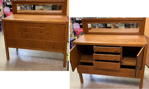 Photo Antique Solid Wood Mission Style Sideboard Buffet - $600 (Auburn, Kansas)