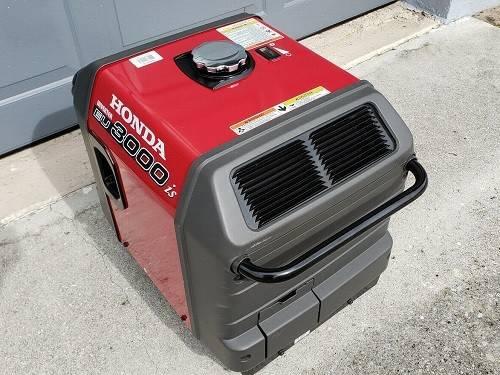 Photo Honda Generator EU3000IS With designed Engines - $630