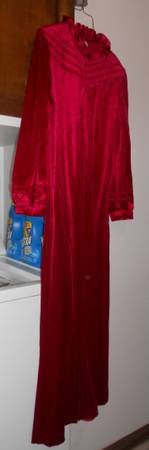 Photo Red Velveteen Long Robe size M - $8 (west Lincoln)