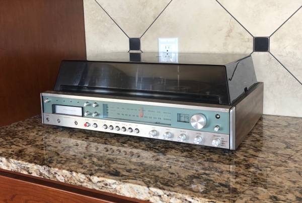 Photo Sears AMFM Radio, Turntable Record, 8 Track Player - $40 (Southwest Lincoln)