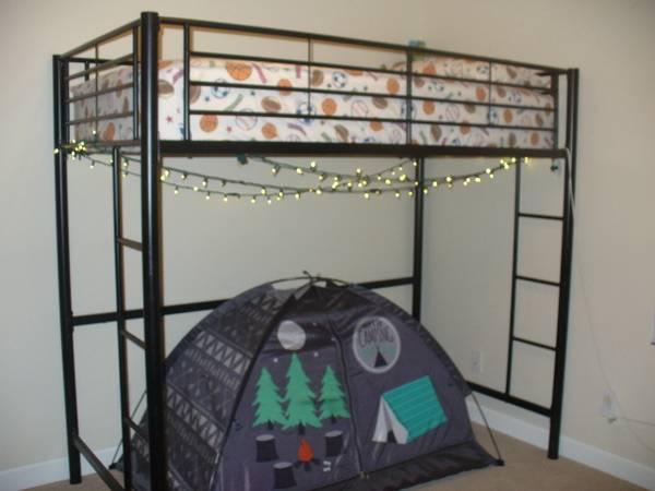 Photo Twin loft bed - $100