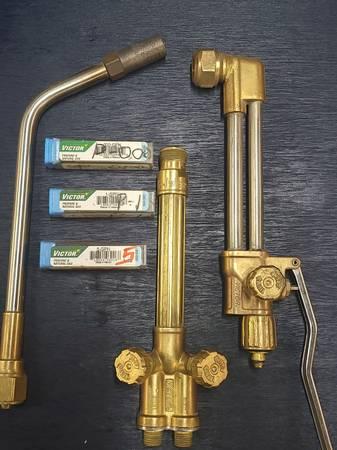 Photo Victor Cutting  Heating Torches - $225 (Wichita)