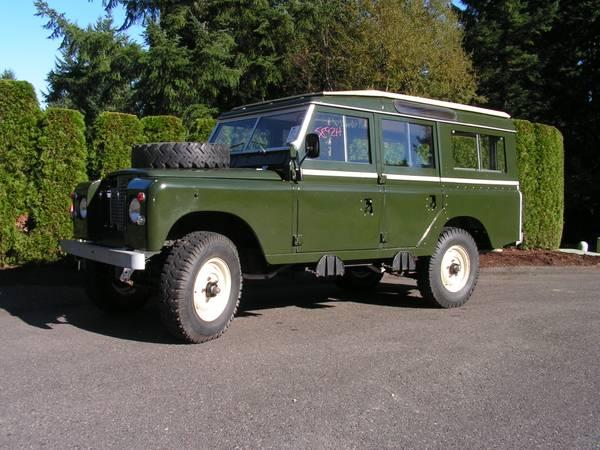 Photo 1971 Land-Rover Long DeLuxe Safari Station Wagon - $79,800 (Olympia)