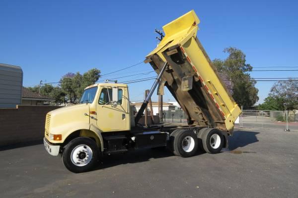 Photo 2000 International 8100 6x4 14 ft. Tandem Demolition Dump Truck - $24900 (Fontana)