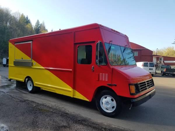 Photo 2001 BEAUTIFUL FOOD TRUCK 18 feet kitchen - $24000 (Portland, OR)