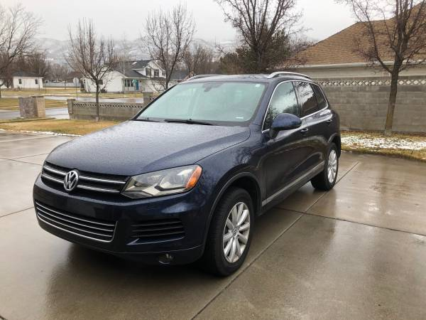 Photo 2012 VW Touareg, low miles - $13000 (Draper)