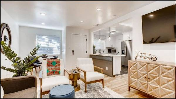 Photo Beautiful and Modern 1 BR Condo in the Avenues of SLC. Sleeps 4 (259 1st Ave N Salt Lake City, UT)