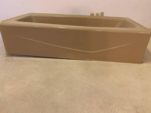 Photo Cast Iron Tub, Sink  Matching Toilet - Autumn Bro (Bountiful, Utah)