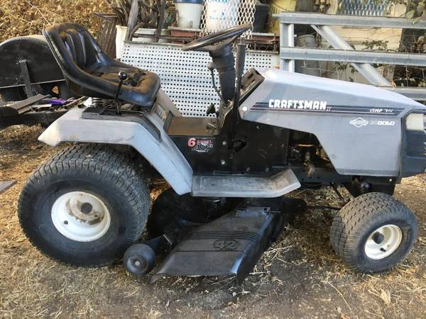Photo Craftsman Lawn Tractor...Clean, 15hp - $375 (Lehi)