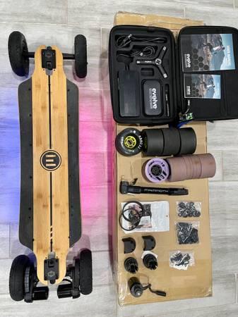Photo Evolve Bamboo GTR Series 2 in 1 All Terrain  Street Combo Electric skate - $900 (Riverton)