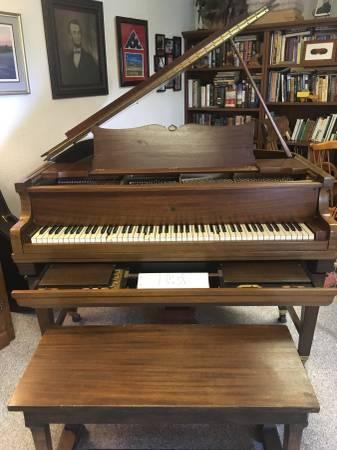 Photo FISCHER NEW YORK BABY GRAND PLAYER PIANO - $7500 (Marsing)