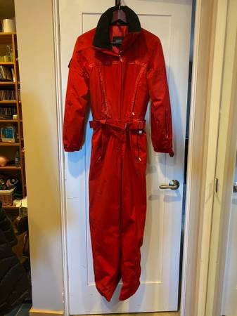 Photo Fabulous barely-worn designer one-piece ski suits - $300 (Deer Valley)