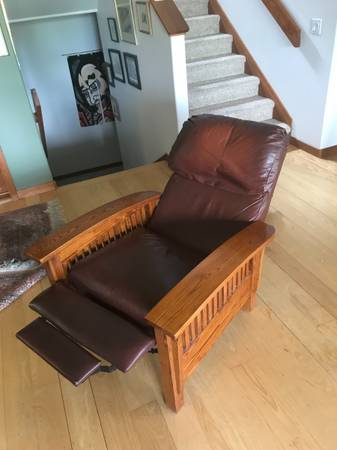 Photo Mission style recliner - $900 (Park city)
