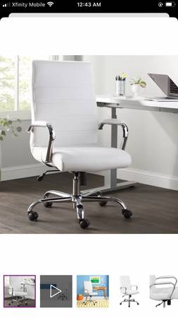 Photo Modern white desk and chair - $325 (Park city)
