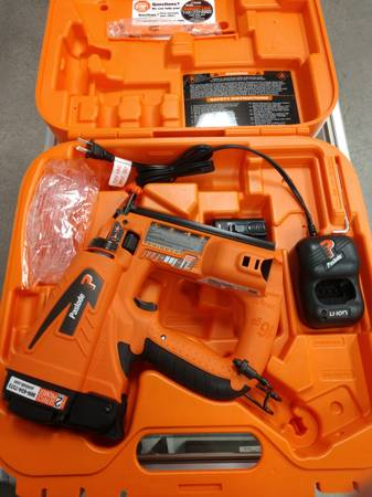 Photo Paslode Lithium Ion 16Ga Cordless Finish Nailer - $300 (Ammon)