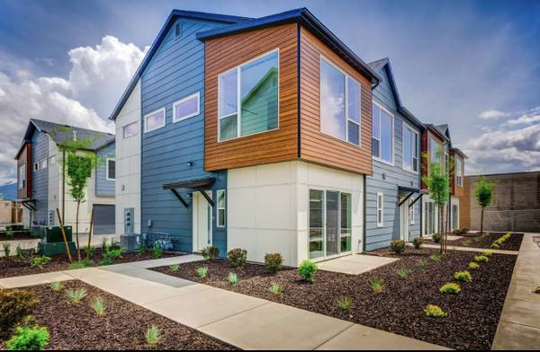 Photo Room in Luxury Townhome Near Downtown and Sugar House (SLC)