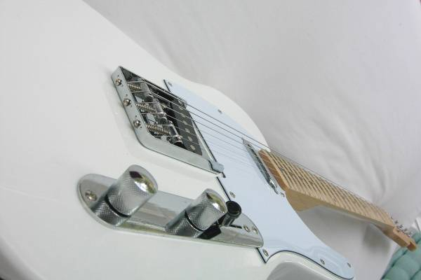 Photo Tele, US Toneworks (Like FENDER Telecaster) Vintage White- FLOW Guita (Holladay)