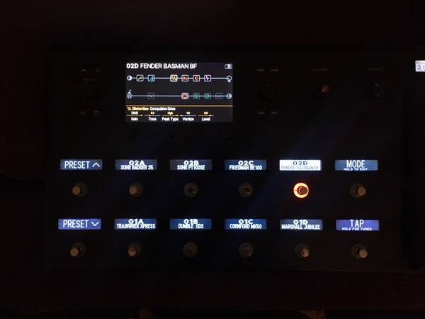 Photo The Line 6 Helix multi-effects floorboard processor - $1000 (taylorsville)