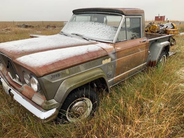 Photo Willys pickup Wagon, and Gladiators - $12,000 (Bozeman)