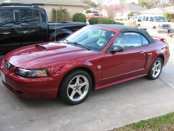 Photo 04 Mustang GT convertible (33k Miles) - $8850 (San Angelo (Bentwood CC))