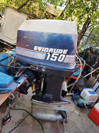Photo 1978 Skeeter bass boat with 150 evinrude motor - $1,750 (San Angelo)