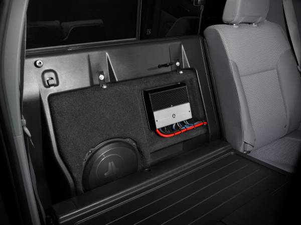 Photo 2005-2018 Toyota Tacoma 10in JL Audio Stealth Box with subwoofer - $400 (San Angelo)