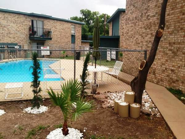 Photo Amazing Deal-Rosewood Park Apts-Huge Renovated 754SF 11 starting only $625-$695 (1711 Greenwood Street, San Angelo, TX)