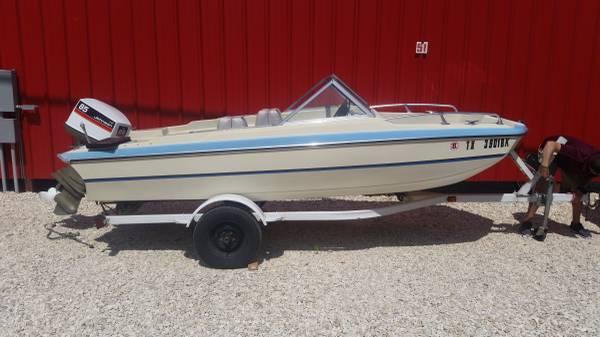 Photo Classic Boat 1639 1978 Galaxie Tri-Hull  85hp Johnson - $5,000 (round rock)
