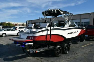 Photo EXTRA CLEAN  2017 Mastercraft X23  - $70,000 (spicewood)